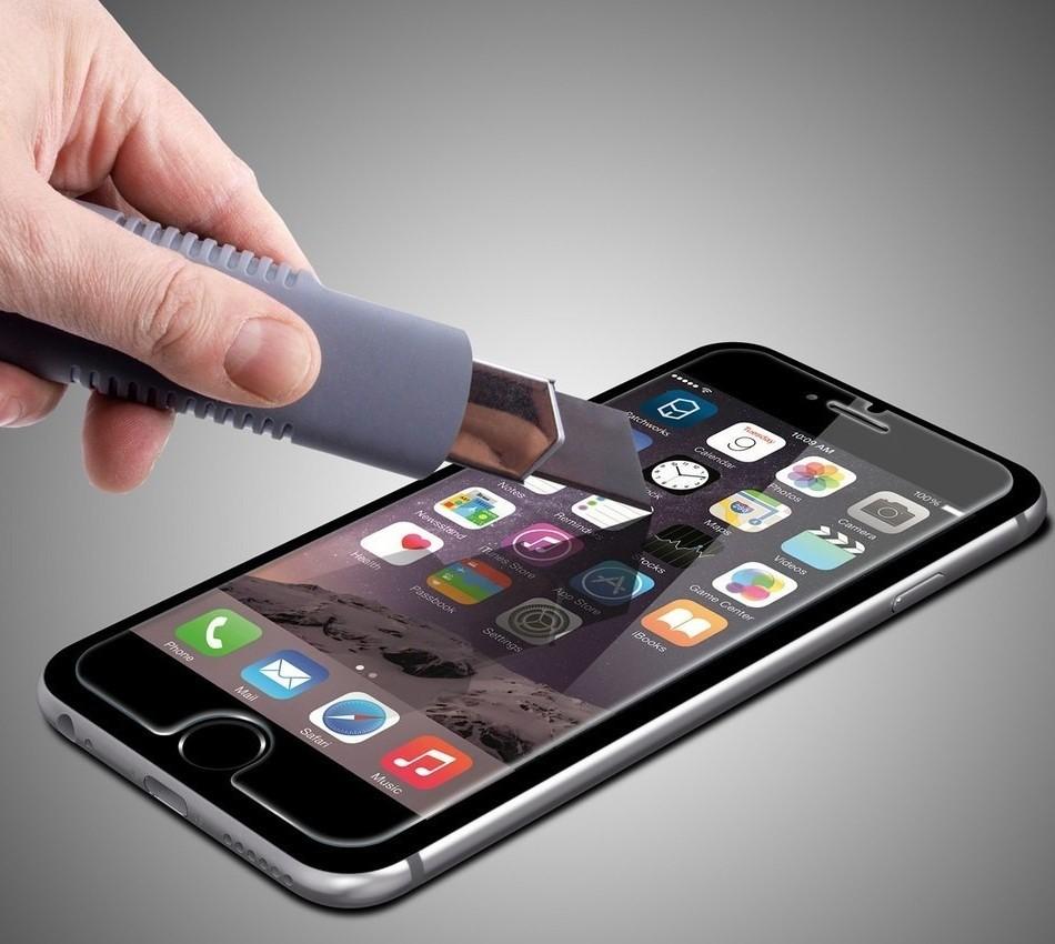 Телефон с защитным стеклом Gorilla Glass