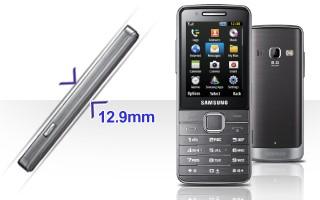 Ширина телефона GT-S5611 и отделка корпуса