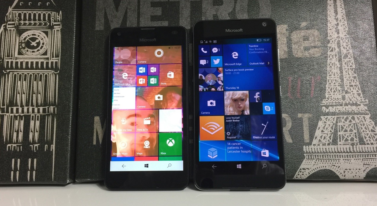 Телефоны Microsoft Lumia 550 (слева) и Microsoft Lumia 650 (справа)