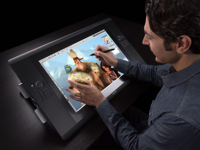 Планшет для рисования Wacom Intuos5 с пером Intuos5 Grip Pen