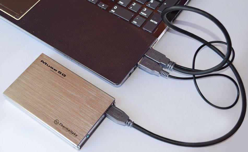Рис.8. Подключение внешнего SSD к ноутбуку