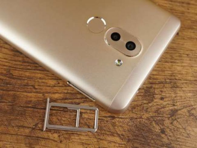 Слот Huawei Honor 6X