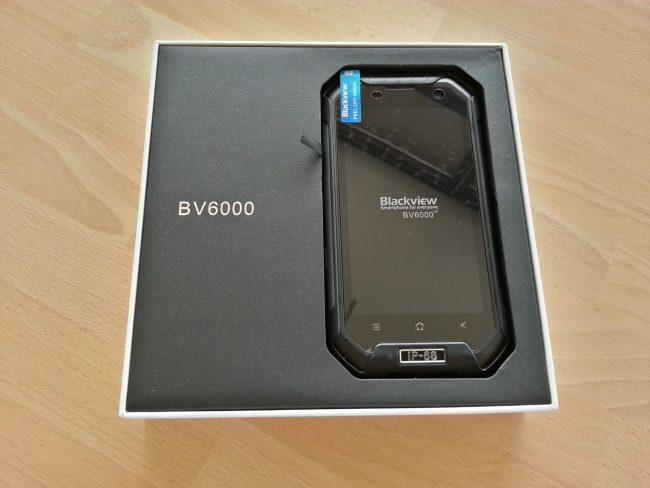 Blackview BV6000 в коробке