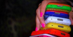 Обзор цветных телефонов