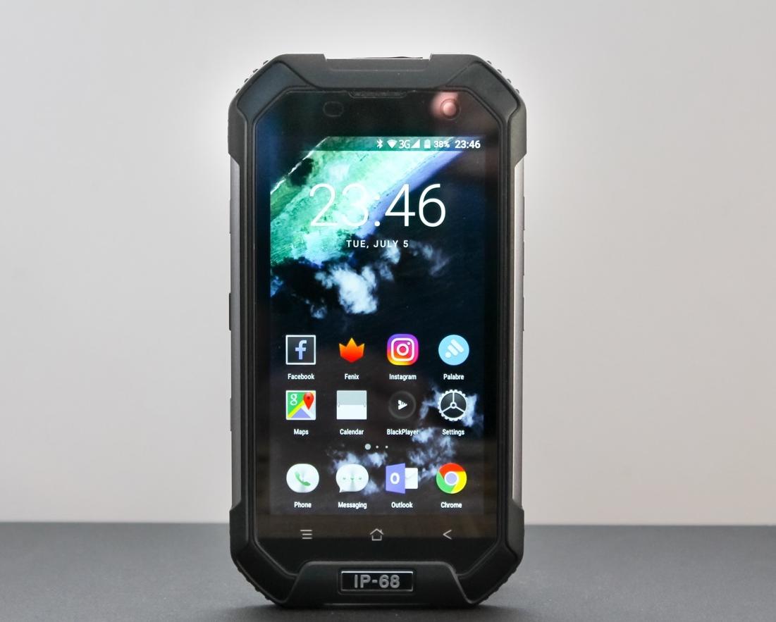 Защищенные смартфоны IP68