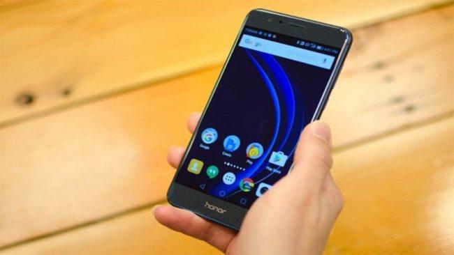 Huawei Honor 8 Lite в работе