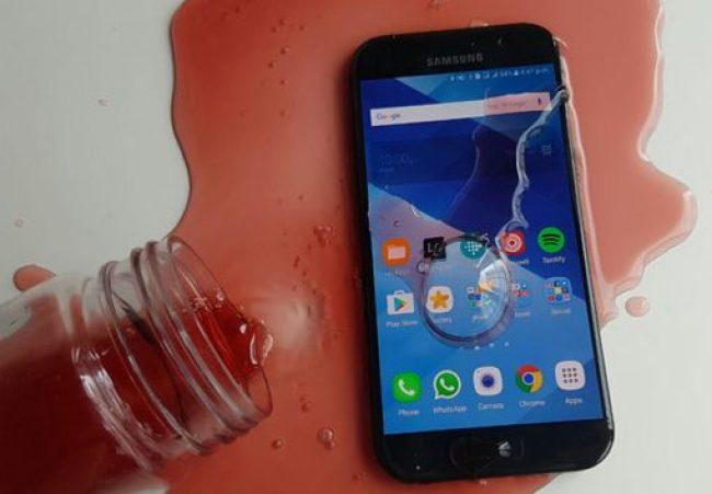 У телефона появилась защита от воды