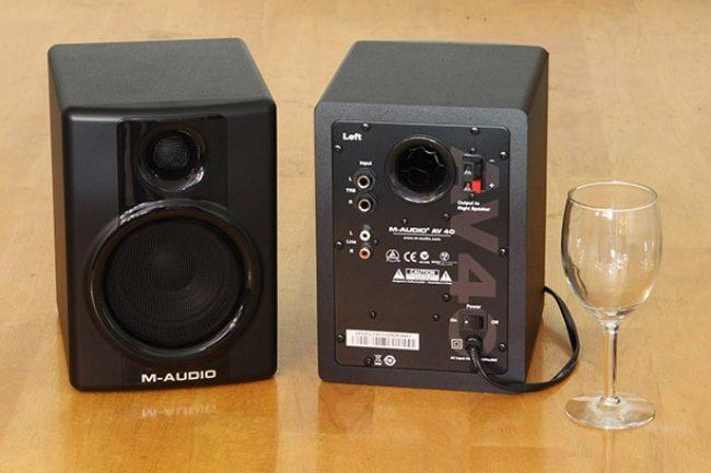 Внешний вид M-Audio Studiophile AV 40