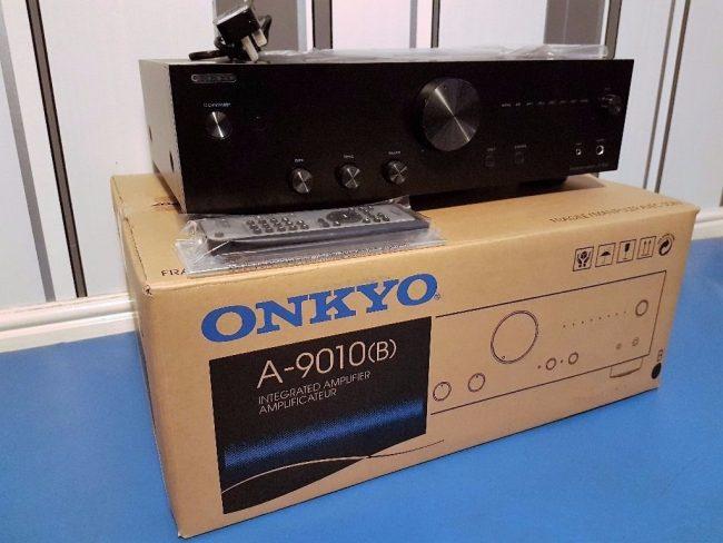 Коробка с ONKYO A-9010