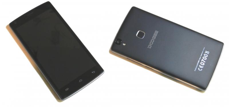 Рис. 3 – Внешний вид смартфона с обеих сторон