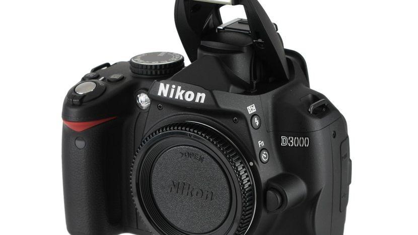 Рисунок 3 — Nikon D3000 в комплектации без объектива