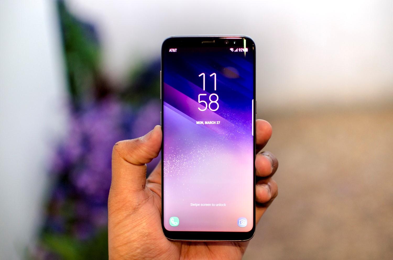 Рис. 12. Без модели Samsung не обходится даже ТОП-15 телефонов с лучшей «фронталкой».