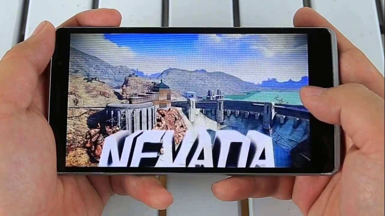 Рис. 17. Использование смартфона для игры.