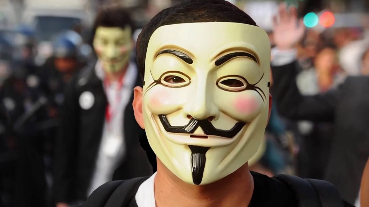 Рис. 12 – - В фильме они сняли маски