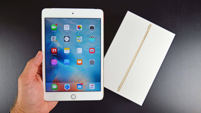 Рис. 2. iPad mini 4 – дорогой, но очень функциональный вариант автомобильного планшета.