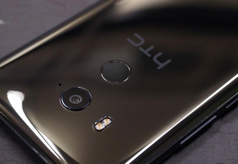 Рис.4 Расположение элементов на задней панели смартфона.