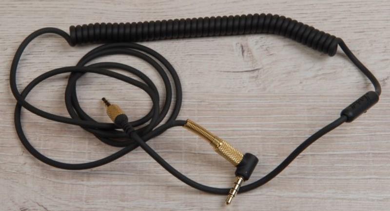 Рис.7 Внешний вид аудиокабеля, поставляемого в комплекте с наушниками.