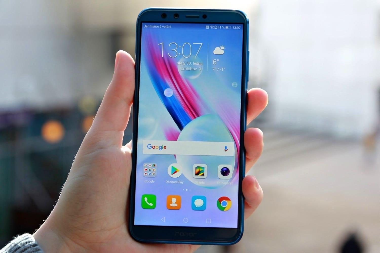 Рис. 6. Смартфон Huawei Honor 9 Lite.