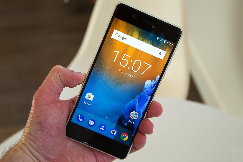 Рис. 8. Гаджет Nokia 5 из средней ценовой категории смартфонов.