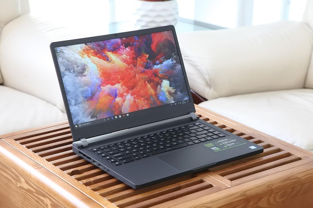Рис. №9. По дизайну он напоминает обычный ноутбук