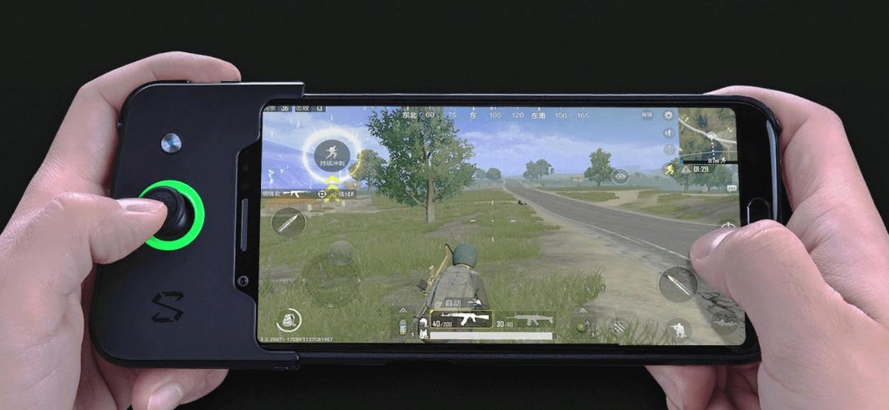 Рис. 1. Модель Xiaomi Black Shark – самый производительный смартфон летом 2018-го года.