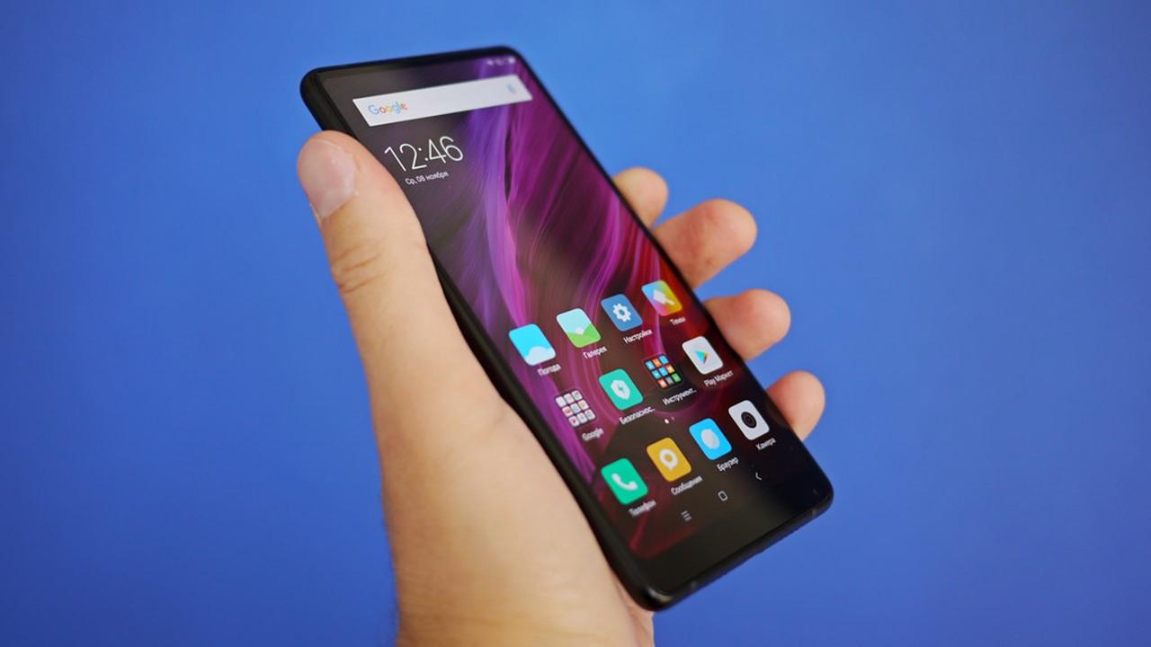 Рис. 7. Xiaomi Mi MIX 2S – фаблет с хорошим экраном, но слабой селфи-камерой.