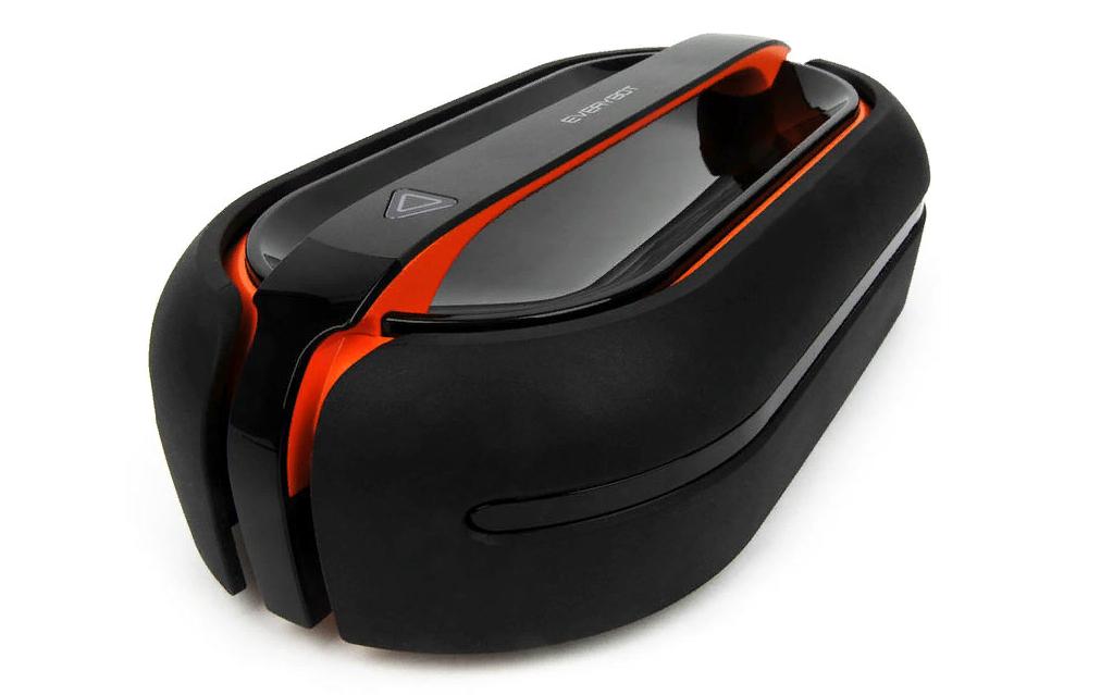 Рис. 7. Моющий пылесос Everybot RS700 с минимальным уровнем шума.